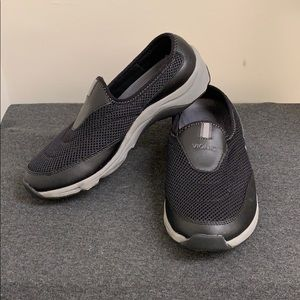 Vionic Shoes - 🚫SOLD🚫Vionic Black & Gray Slip Ons Size 8.5